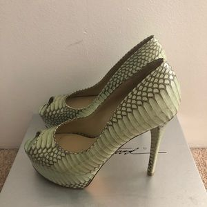 B by Brian Atwood mint green python heel size9